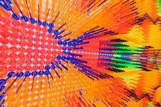 Stirrir Carpet, we make carpets. We make carpets is opgericht door Marcia Nolte, Stijn van der Vleuten en Bob Waardenburg. WMC maakt geen tapijten, ook al is dat wel hun naam. Het heet zo, omdat de kunstwerken van een afstand op tapijten lijken, maar kom je dichterbij zie je van welk materiaal ze eigenlijk gemaakt zijn. De kunstwerken zijn allemaal gemaakt van verzamelingen van spullen zonder veel waarde, die vaak één keer gebruikt worden en daarna weggegooid worden.
