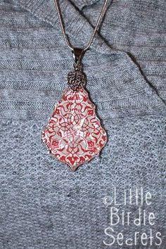 Little Birdie Secrets: crystal pendant tutorial. Cute projects for girls. Glass Tile Pendant, Crystal Pendant, Crystal Jewelry, Crystal Diamond, Resin Jewelry, Pendant Jewelry, Jewelry Crafts, Handmade Jewelry, Pendant Necklace