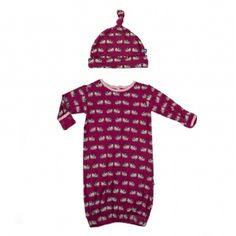 Print Layette Gown and Knot Hat Set in Berry Cow