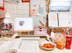 Study Room Decor, Study Rooms, Study Areas, Study Space, Study Desk, Desk Space, Desk Organization Tips, Dream Desk, Study Corner