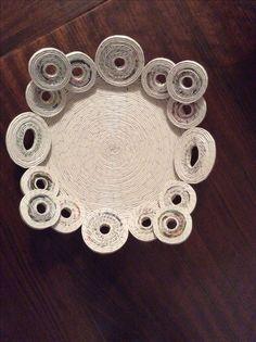 Centrotavola realizzato con cannucce di carta