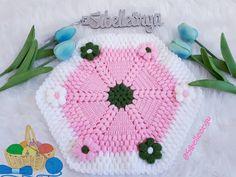 Daha fazla bilgi için gönderiyi ziyaret edin. Emoji, Crochet Hats, Anne, Emojis, Emoticon