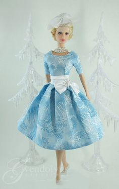 HOLIDAY FROST by Gwendolyns Treasures, via Flickr