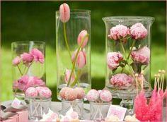 tischdeko ideen mit tulpen und blumen arrangieren