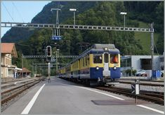 A BOB (Berner Oberland Bahnen / Jungfraubahn) local train to Grindelwald in Wildeswil Swiss Railways, Switzerland, Planes, Trains, Transportation, Ships, Pictures, Paths, Iron