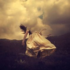 brooke shaden - got my head in the clouds