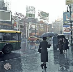 Shorpy Historic Picture Archive :: Rainy Day People (Colorized): 1943 high-resolution photo
