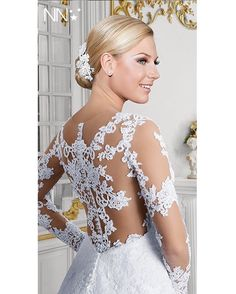 Poéme  Nova Noiva  #estilistagiosantos #novanoiva #bride #bridaldress #casamento #engaged #casando #bridal #noiva #weddingdress #modanoiva #blogger #Wedding #instabride #elance #noivasreais #bodas #married #job #instagran #noivasdobrasil #lifestyle #vestidosdeNoiva #instabride #casei #weddinginspiration #vestidodossonhos #personalstylist #eusounovanoiva  @novanoiva @novanoivasapatos