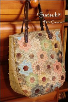 Work of students who: Patchwork * Pink Caramel *  - This blog has beautiful works and deserves a lot of time to look around.