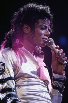 Michael Jackson, Bad tour, 1987-89