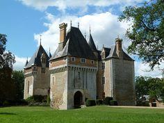 """Château de l""""Isle situé sur la commune deTouchay, Cher, Centre, France. (by wally52, via Flickr ~)"""
