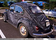 How AWESOME would it be if you were a teenager and your first car was kind of a junker to do something like this?! Paint it with CHALKBOARD paint!! (you can even find recipes to make your own online)... what a fun way to give your car personality.. you and your friends can decorate it and write goofy stuff.. and when it rains?! YOU GET TO START OVER!! LOOOOVE IT!! :D