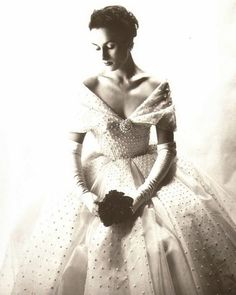 I just love the dresses from the 50's. Even the  every day dresses had an elegance to them that's missing today.