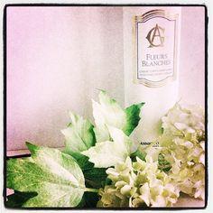 Journée longue et pas facile, mais ce soir, ce sera réconfort avec la crème aux fleurs blanches d'#AnnickGoutal.