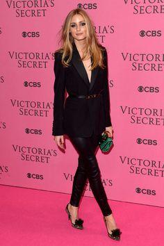 ¿NADA QUÉ PONERTE? Inspírate con el 'gentleman-look' de OliviaPalermo.com en el 'after-party' del desfile de Victoria's Secret para demostrar que los opuestos se atraen.