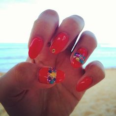 Red nails ,resort ,beach