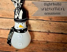 Love this lightbulb snowman ornament craft from GingerSnapCrafts.com. SO cute.