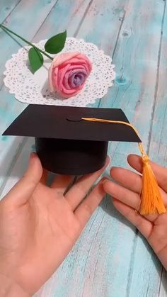 DIY Bachelor Cap Box - Origami - Crafts world Diy Crafts Hacks, Diy Crafts For Gifts, Diy Home Crafts, Diy Arts And Crafts, Creative Crafts, Fun Crafts, Crafts For Kids, Decor Crafts, Ideas For Gifts