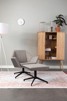 Praktická podnožka s příjemným čalouněním. Oncle Jesse, Pouf Rembourré, Cosy Sofa, Vida Design, Cosy Corner, Upholstered Ottoman, Sit Back And Relax, Swivel Chair, Decoration