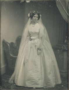 Wedding Styles Victorian Wedding Dresses: 27 Stunning Vintage Photographs of Brides Before 1900 ~ vintage everyday Vintage Wedding Photos, Photo Vintage, Vintage Bridal, Vintage Weddings, Country Weddings, Lace Weddings, Vintage Country, Vintage Outfits, Vintage Dresses