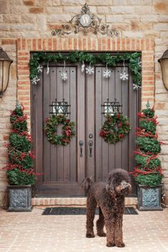 56 Amazing front porch Christmas decorating ideas     FIFI!!!!