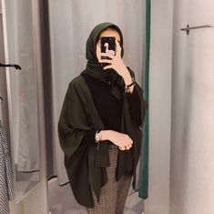 C - hijab outfit Hijab Casual, Modest Fashion Hijab, Modern Hijab Fashion, Street Hijab Fashion, Hijab Chic, Muslim Fashion, Fashion Outfits, Ootd Hijab, Casual Outfits