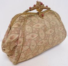 VINTAGE 40s FRENCH DECO BROCADE CLUTCH HANDBAG/BAG~BEJEWELLED/FILIGREE FRAME~ | eBay 75 Vintage Websites, Vintage Bags, Vintage Outfits, Clutch Purse, Coin Purse, Vintage Accessories, Evening Bags, Filigree, Wallet