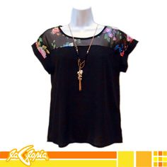 En 2do.Piso podrás encontrar esta #blusa de diseño clásico, con detalles que le dan ese toque moderno y sexy #damas #moda