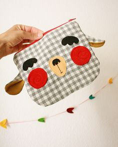 Goat zipper purse