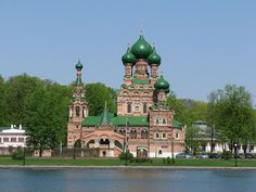 Church in Ostankino, Russia. Teach English in Russia – Advice for Teachers http://www.happycatstefl.com/country-guides-and-advice/europe/teaching-english-in-russia/#