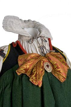 La Indumentaria Tradicional en la Provincia de León: Segundo Curso de Indumentaria Popular del Museo del Traje