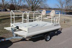 Aluma Sport 612 — Hotwoods Small Pontoon Boats, Electric Trolling Motor, Squirrel Hunting, Boat Dealer, Top Boat, Aluminum Uses, Cedar Rapids, Sports Models, Open Water