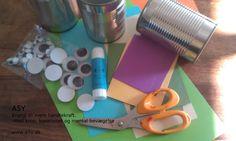 """1 ud af 3 step til vase Find, konserves dåser. tøm dem, vask dem, de er klar til brug. Find også pap, lim, saks, """"øjne"""" og andet sjovt at lime på"""