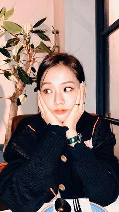Lisa Blackpink Wallpaper, Kim Jisoo, Black Pink Kpop, Blackpink Members, Jennie, Blackpink Photos, Blackpink Fashion, Blackpink Video, Kpop Girls