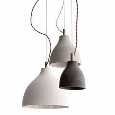 Koop online @ SOOO.nl onze favoriete design hanglampen van beton, zoals de hanglamp HV3 van donkergrijs beton. Ook in lichtgrijs, wit en terracotta bruin.