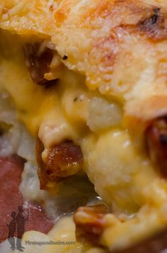 Gratin de chou-fleur au chorizo | Piratage Culinaire Chorizo, Quiche, Meat Recipes, Healthy Recipes, Food Porn, Good Food, Yummy Food, Meat Appetizers, Salty Foods
