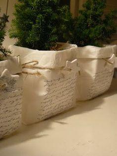 Papieren zak om bloempot met mini kerstboom door Be House