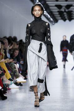 Teatum Jones Ready To Wear Fall Winter 2017 London Fashion Fashion Show NOWFASHION