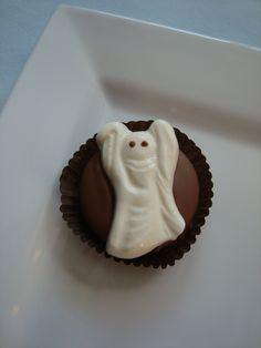Chocolate Ghost Oreo Cookie... Halloween Candy Favors www.rosebudchocolates.com