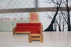 Senhorita Cutie Pie - Inspiração: Dollhouse renovação - Adicione um piso de madeira de pirulitos