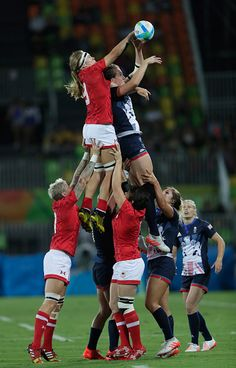 Teams go up for the lineout during the Women's Bronze Medal Rugby Sevens match between Canada and Great Britain on Day 3 of the Rio…