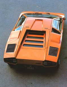 Orange Lamborghini Countach - yum!