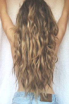 messy waves, summer hair