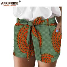 Best African Print Shorts Designs ideas in town are enlisted in this post. African Print Pants, African Print Dresses, African Print Fashion, African Dress, African Fabric, African Attire, African Wear, Kitenge, Moda Afro