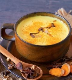 Turmeric lattes? You betcha! It's easy to make these anti-inflammatory wellness drinks.