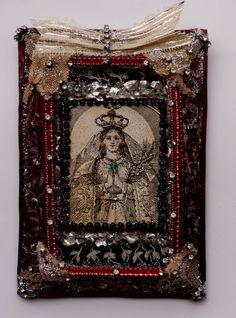 Our Lady with coral earrings and emerald necklace, Murano glass, silver linen, cotton, strass, antique lace - 12, 5 x 9