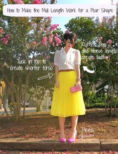 yellow midi pleated skirt and pink heels LOVE Midi Skirt Outfit, Pleated Midi Skirt, Skirt Outfits, Dress Skirt, Pear Shape Fashion, Pear Shaped Outfits, Silhouette Mode, Pear Shaped Women, Pear Body