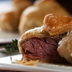 Filet Wellington Bites..... salmon would be great as well done up in a pastry like this using a bearnaise sauce A Food, Good Food, Yummy Food, Tasty, Carne, Beef Recipes, Cooking Recipes, What's Cooking, Beef Wellington Recipe
