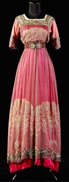 Circa 1910-1915 gown from the Alexandre Vassiliev Foundation.