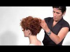 Resultado de imagem para corte de cabelo curto encaracolado